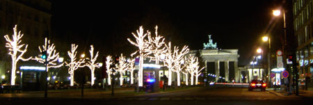 Christmas decoration on Unter den Linden